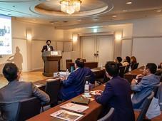 ビッツバーグ大学経営大学院の同窓会国際会議がハイアットリージェンシー東京で開催され、キランが「国際貿易におけるトレンド」についてプレゼンテーションを行いました。