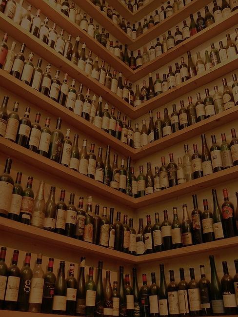 wine-bottles-363214_1280_edited_edited_e