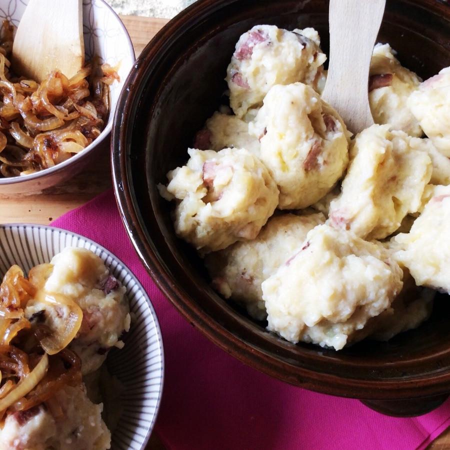 zemiakové knedlíky s mäsom
