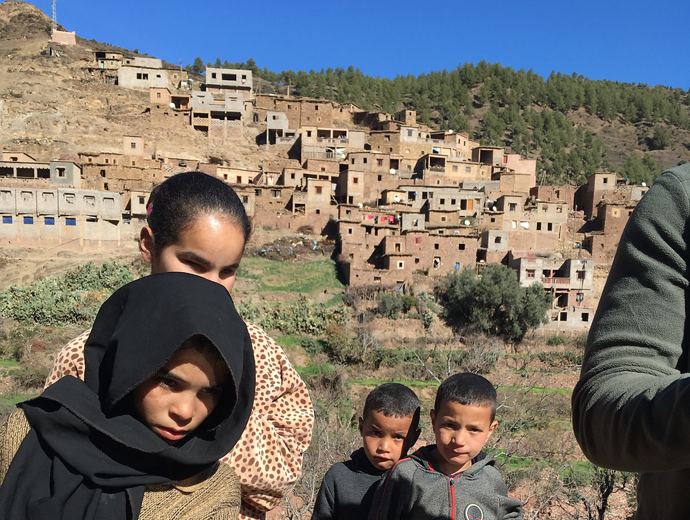 Berberské deti a ich domy