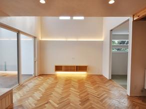 無垢床材の魅力とメンテナンスについて