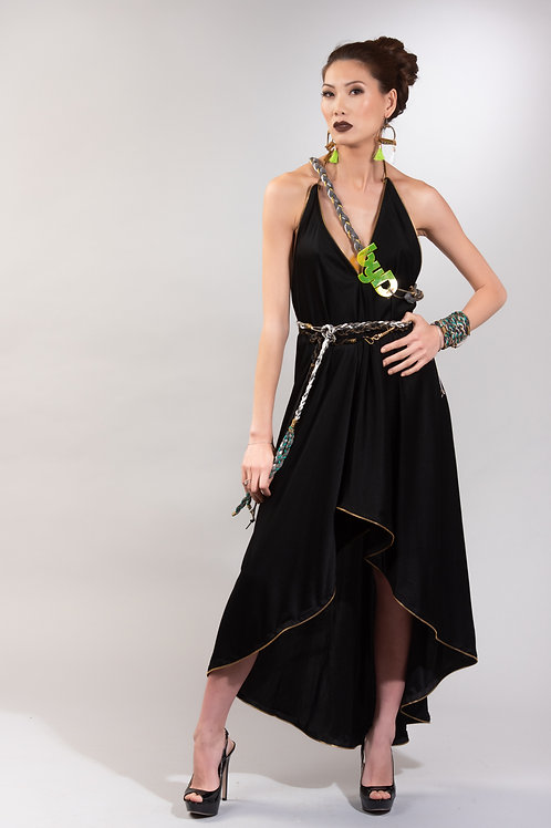 robe longue noir au dos nu