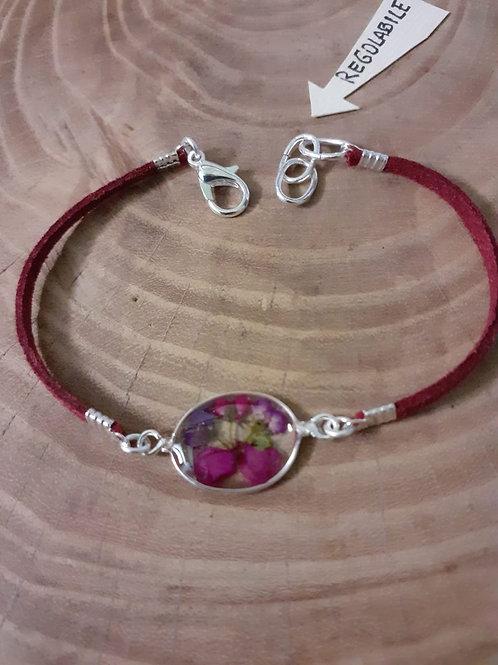 bracciale ovale piccolo, cordino bordeaux, fiori:alisso,petalo verbena