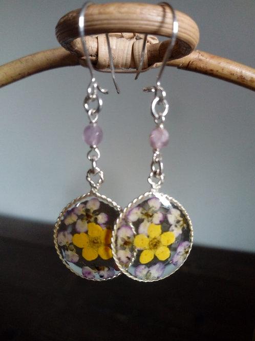 orecchini tondo ovalizzato,pietra:quarzo rosa,fiori:alisso.biancospino