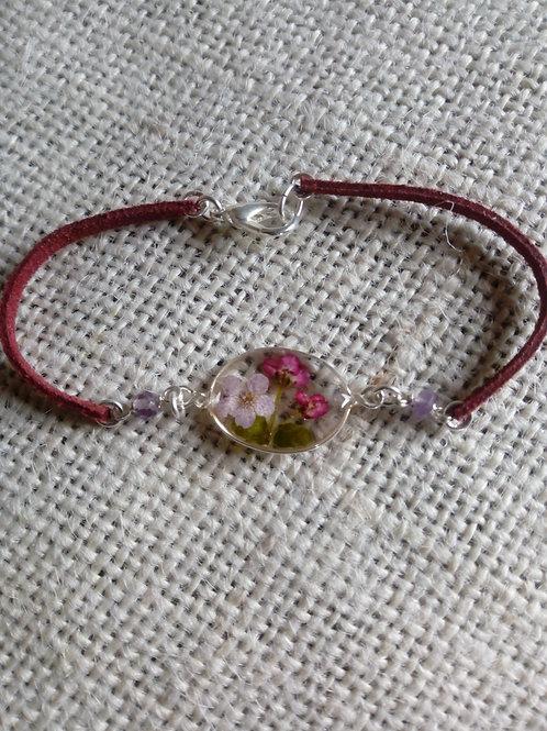 bracciale ovale,cordino bordeaux, fiori biancospino, alisso