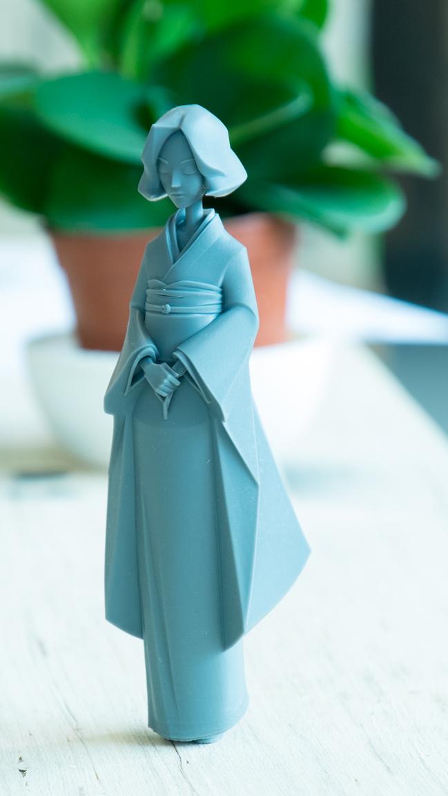 Model by Dinsai