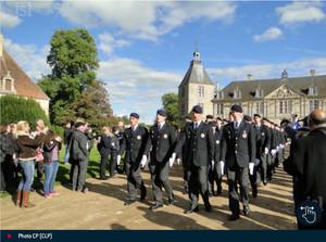 JSL - Le lycée militaire d'Autun en cérémonie au château de Sully