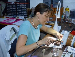 Vernon: l'art et la matière d'une créatrice de bijoux
