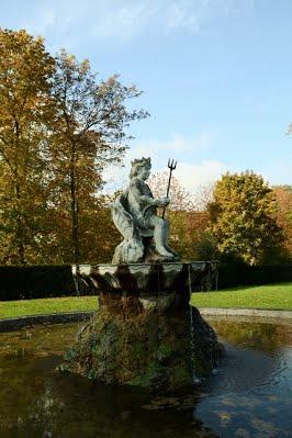 chateau de bizy renaissance fontaine