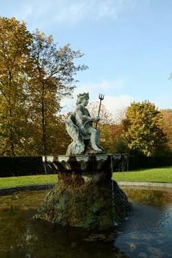 Neptune fontaine château de Bizy