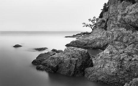 Buan Coastal Black and White
