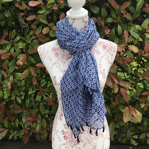 Daisy Floral Scarf with Tassels