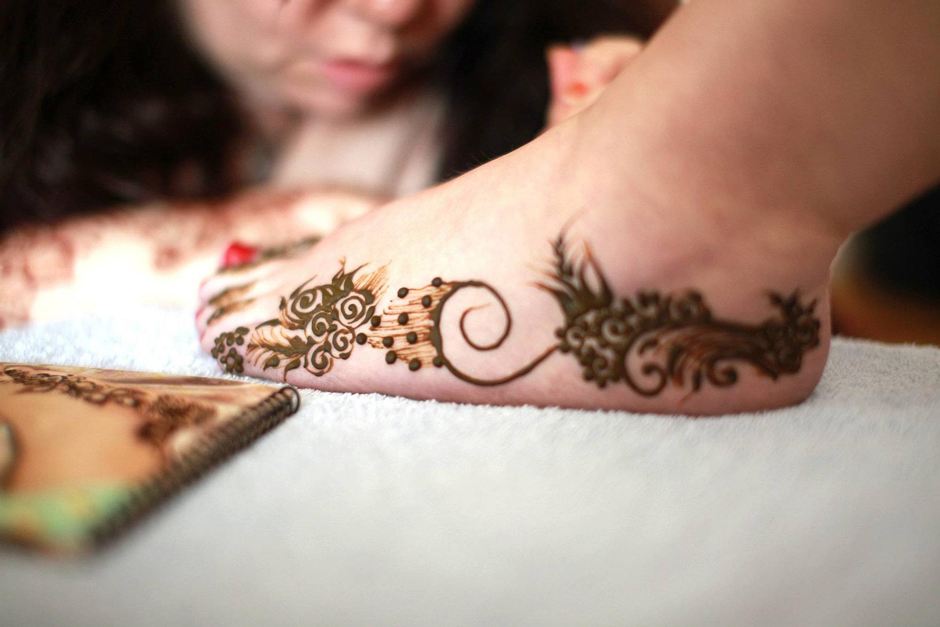 Moon Mehndi Liberty : Crescent moon henna