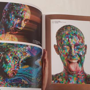 עמוד אמצע במגזין אמריקאי wet paint.jpg