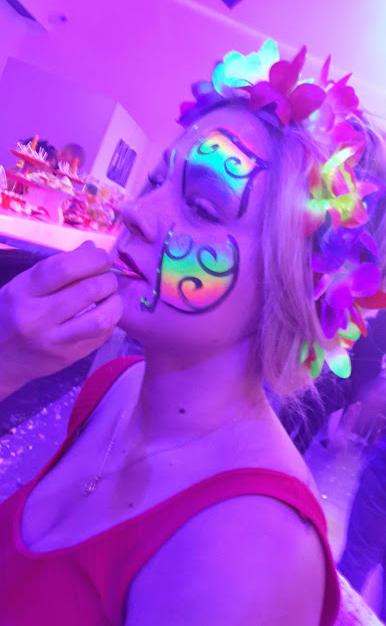 ציורי פנים אולטרה סגול- פרפר