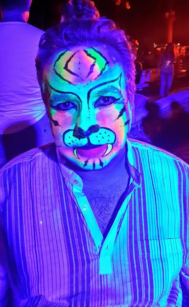 ציורי פנים אולטרה סגול -נמר צבעוני