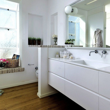 family-shim-bath-counter-1400x750-1920w.