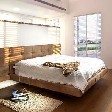 family-shim-master-badroom-1400x750-1920