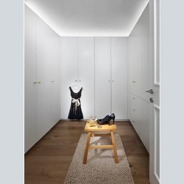 family-shim-walk-in-wardrobe-1474x750-19