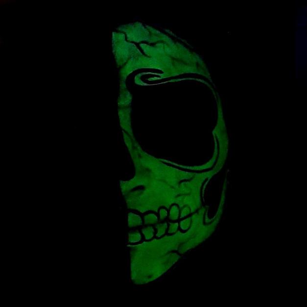 ציור פנים זוהר בחושך- גולגולת