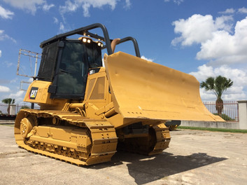 2009 Caterpillar D6K, 6.6 acert engine, enclosed cab, new paint job $65,000 USD