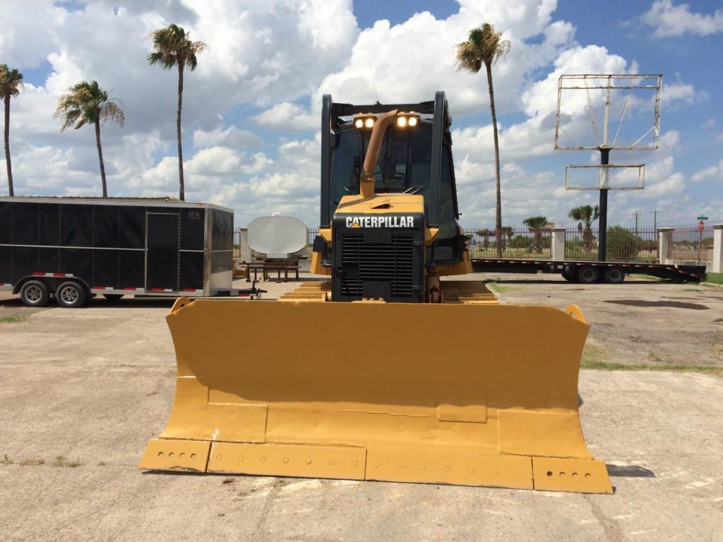 2009 Caterpillar D6K, 6.6 acert engine, enclosed cab, new paint job $65,000 USD