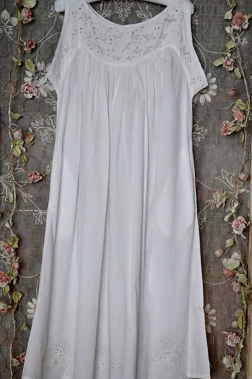 Pre Raphaelite nightgown