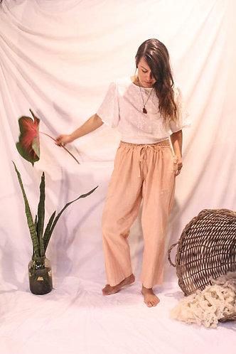 calça tingida com barro - algodão agroecológico