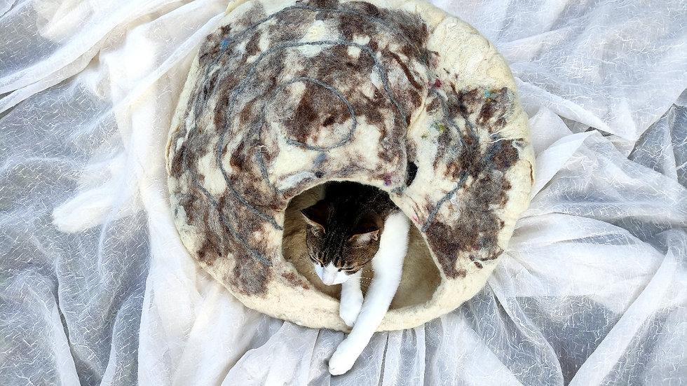 casa para gatos de lã ovina agroecológica feltrada manualmente