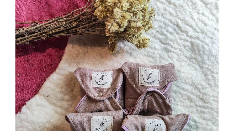 bioabsorvente antivazamento tingido naturalmente - feito c/ cera e lã natural