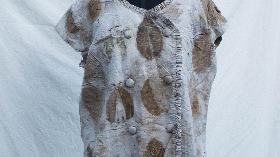 camisa de brechó com impressão botânica