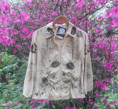 camisa de brechó estampada naturalmente com impressão botânica
