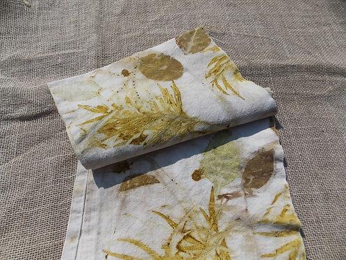 tecido de algodão cru garimpado em brechó / estampado naturalmente