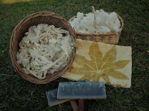 almofada artesanal de lã agroecológica