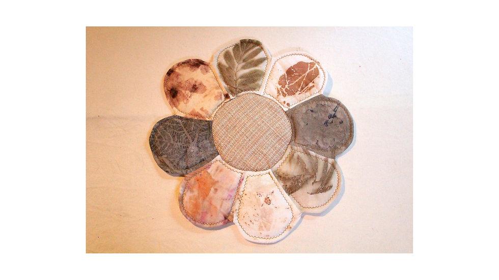 """jogo americano decorativo """"mosaico de flô"""" c/ ecoprint folha"""