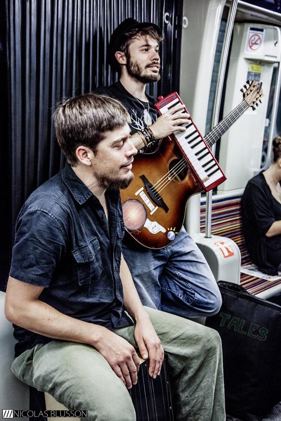 Le groupe Tales dans le métro