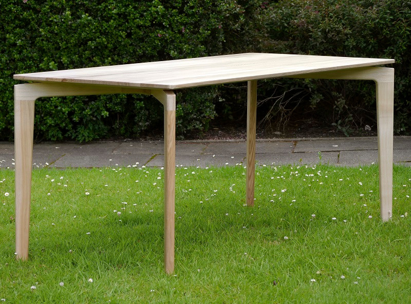 ash table 2.jpg
