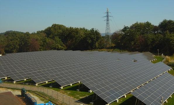 飯岡工業(株)の太陽光発電所は2688枚のパネルを設置しています。