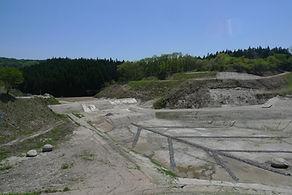 飯岡工業(株)は産廃、産業廃棄物のプロです。安定型最終処分場を運営しておりますので、安心して廃棄物のことをお任せください。