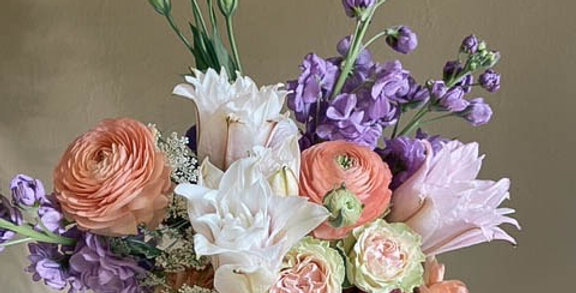 Hand-tied Fresh Bouquets (Free delivery)