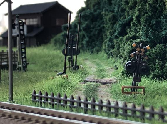No.79 廃駅と電車