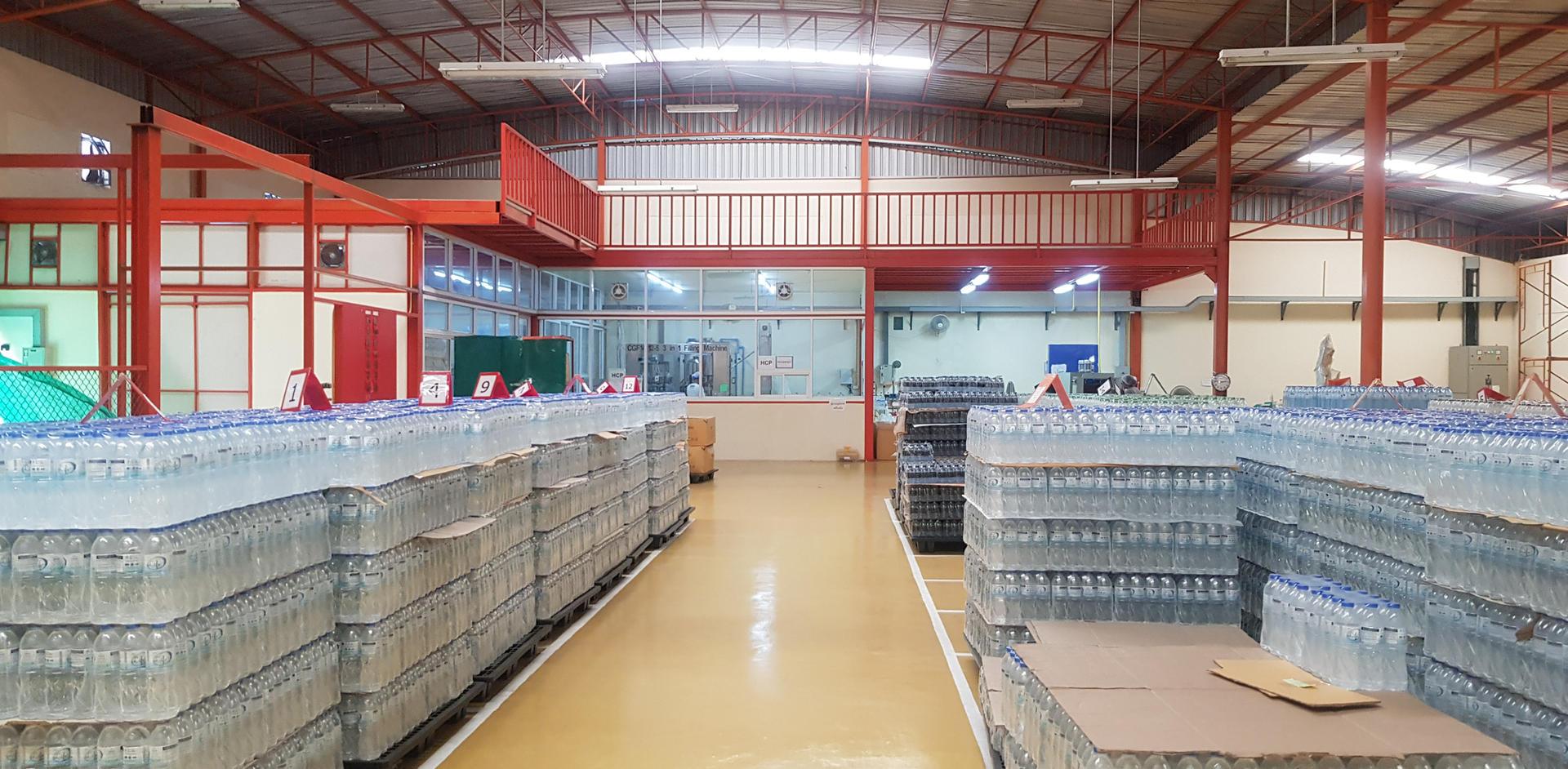 พื้นที่โกดังเก็บสินค้า โรงงานผลิตน้ำดื่ม Lifeplus Water