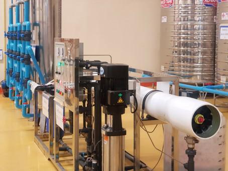 น้ำดื่มระบบ Reverse Osmosis ดีอย่างไร ทำไมถึงกรองความเค็มได้และทำไมโรงงานผลิตน้ำดื่มนิยมเลือกใช้
