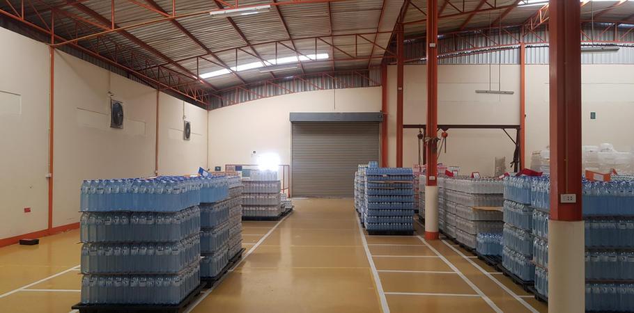 โกดังเก็บสินค้า โรงงานน้ำดื่ม Lifeplus Water