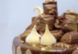 drip cake meringue kisses