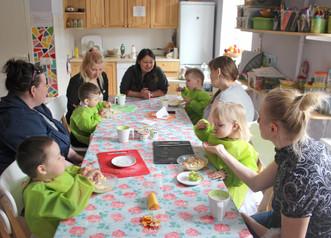 """""""Город с большим сердцем"""": поддержка и социальная адаптация 25 семей одиноких иногородних"""