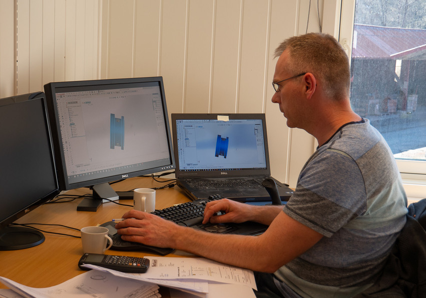 Tom Asle at the office