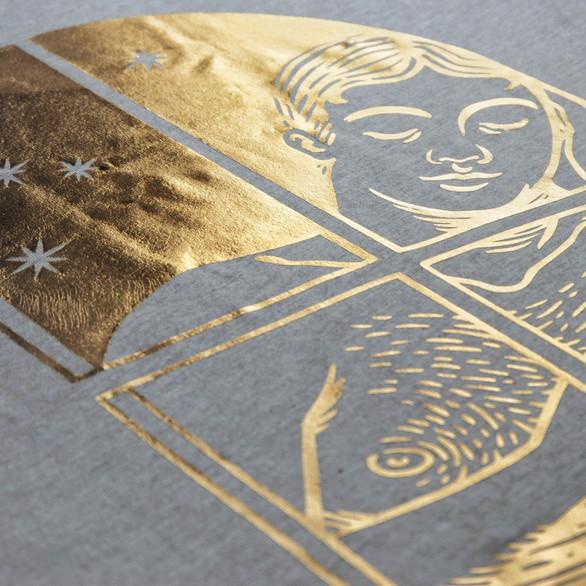 iniono-tshirt-reflective20moment-detail