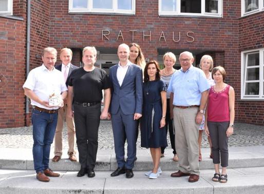 Bürgermeister Gerd Meyer empfängt litauische Gäste im Rathaus