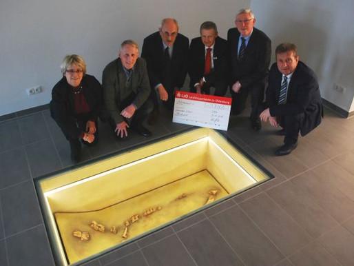 LzO-Stiftung unterstützt Finanzierung eines historischen Pferdegrabes